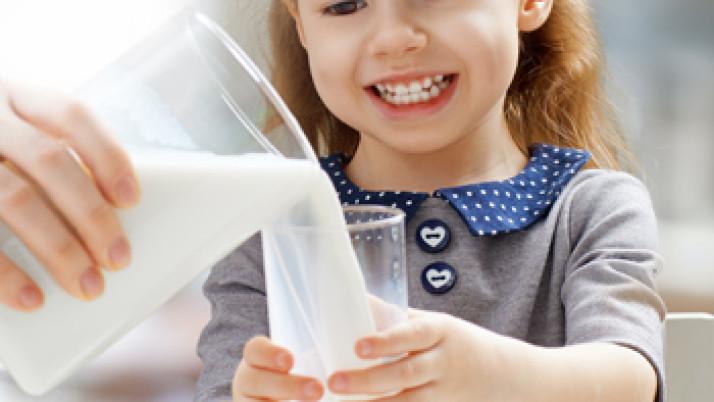 FEPALE informa: importancia de una buena nutrición de calcio durante la niñez