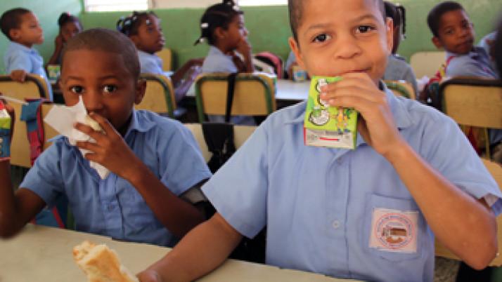 El Salvador: Inauguran planta láctea para proveer al programa Vaso de leche