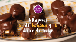 Alfajores de banana y dulce de leche