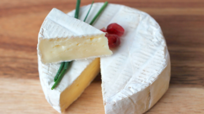 Consumir queso podría disminuir el riesgo de crisis cardíaca