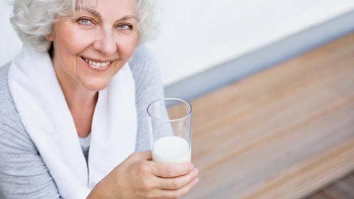 El consumo de lácteos entre los mayores es importante para cubrir sus necesidades nutricionales, según experto