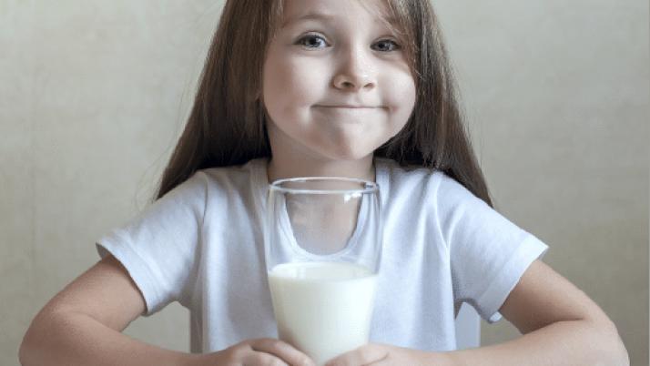 ¿Qué alimentos incluir en la dieta diaria de los niños, niñas y adolescentes?